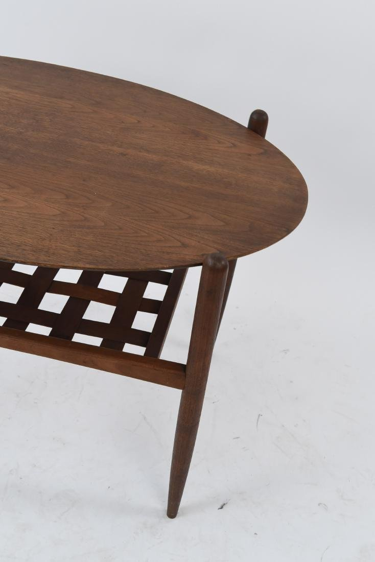 MID-CENTURY OVAL SIDE TABLE - 5