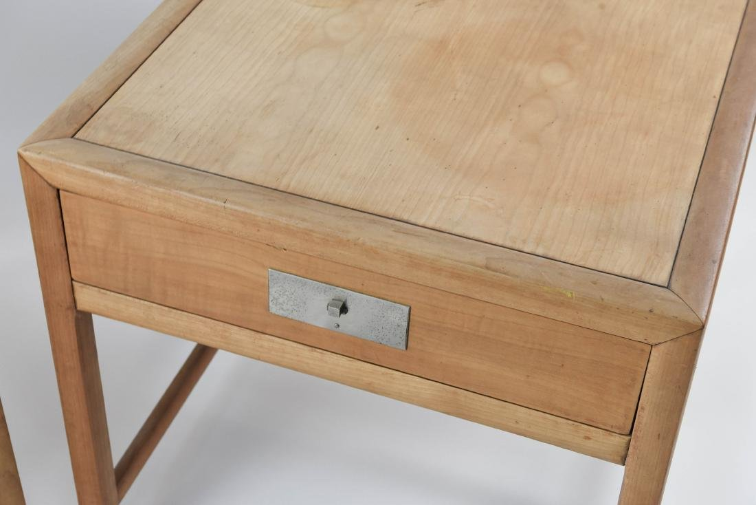 PAIR OF BAKER MID-CENTURY SIDE TABLES - 2