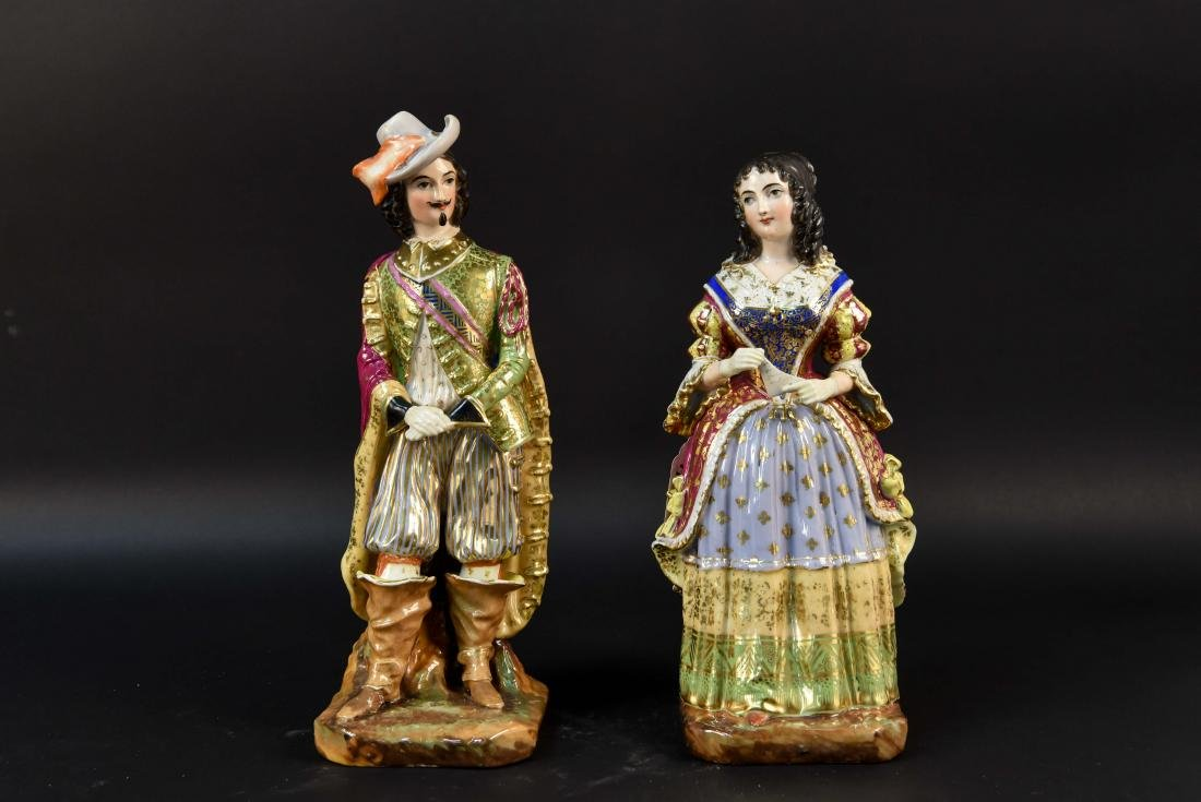 PAIR OF FRENCH OLD PARIS PORCELAIN FIGURES