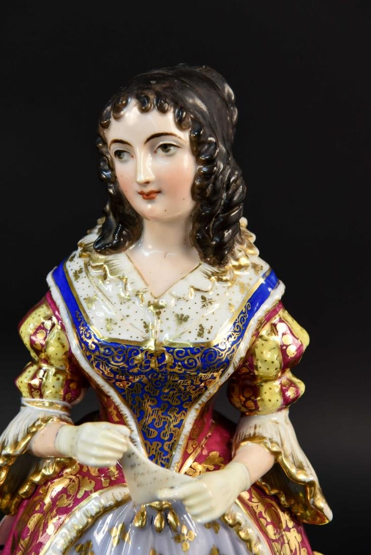 PAIR OF FRENCH OLD PARIS PORCELAIN FIGURES - 2
