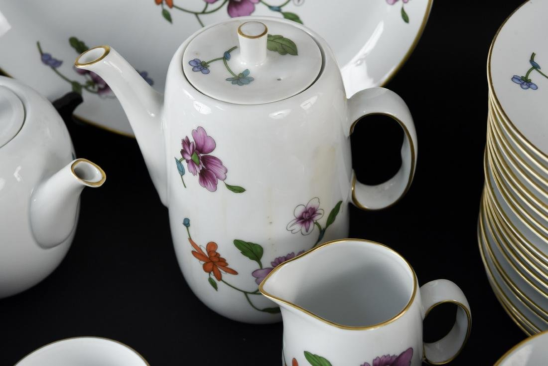 GROUPING OF ROYAL WORCESTER ASTLEY CHINA - 10