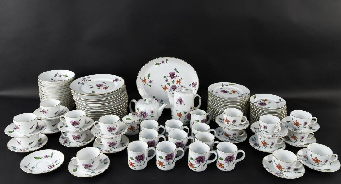 GROUPING OF ROYAL WORCESTER ASTLEY CHINA