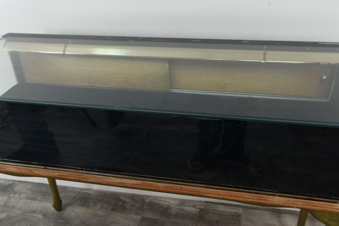 ILLUMINATED GLASS DISPLAY CASE - 3