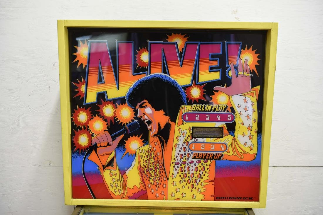 ELVIS PINBALL MACHINE - 2