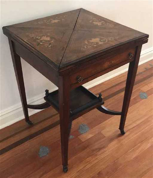 - ANTIQUE FLIP TOP GAMING TABLE