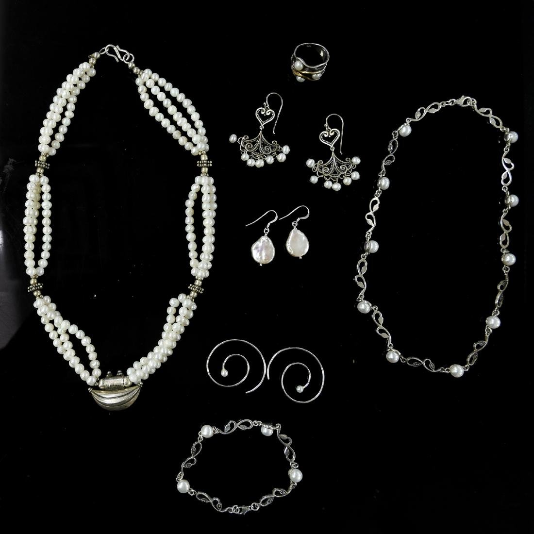 GROUPING OF PEARL AND STERLING JEWELRY