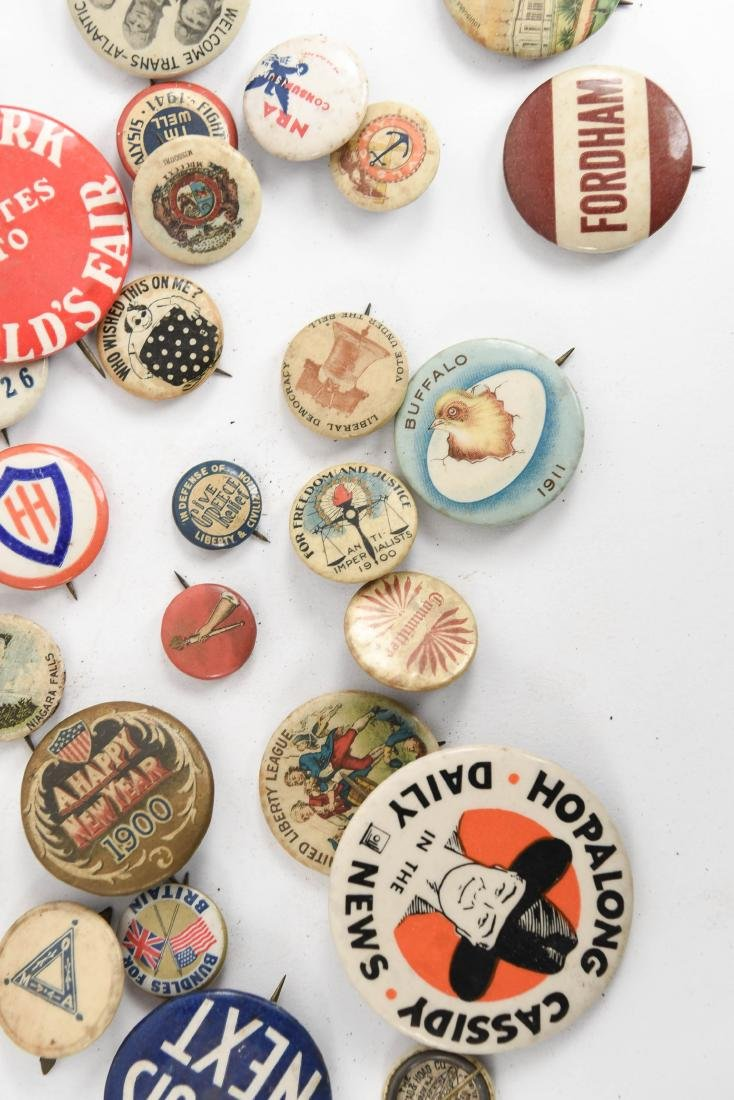 VINTAGE COLLECTABLE PIN BACK BUTTONS - 4