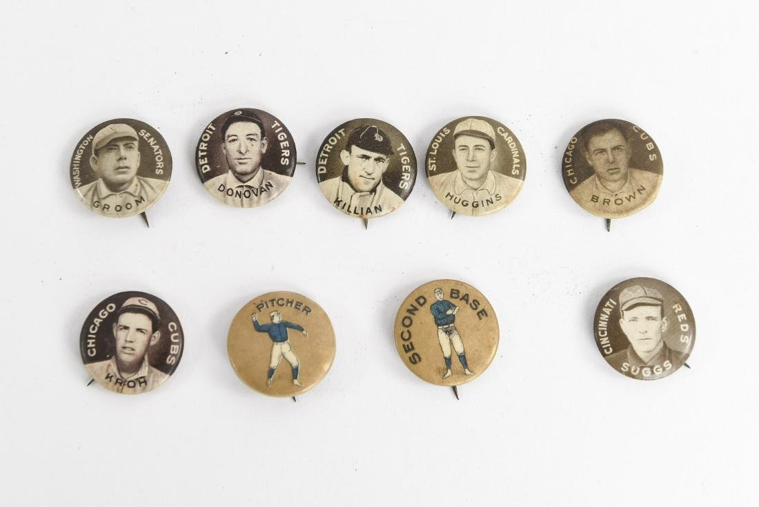 VINTAGE COLLECTABLE BASEBALL PIN BACK BUTTONS