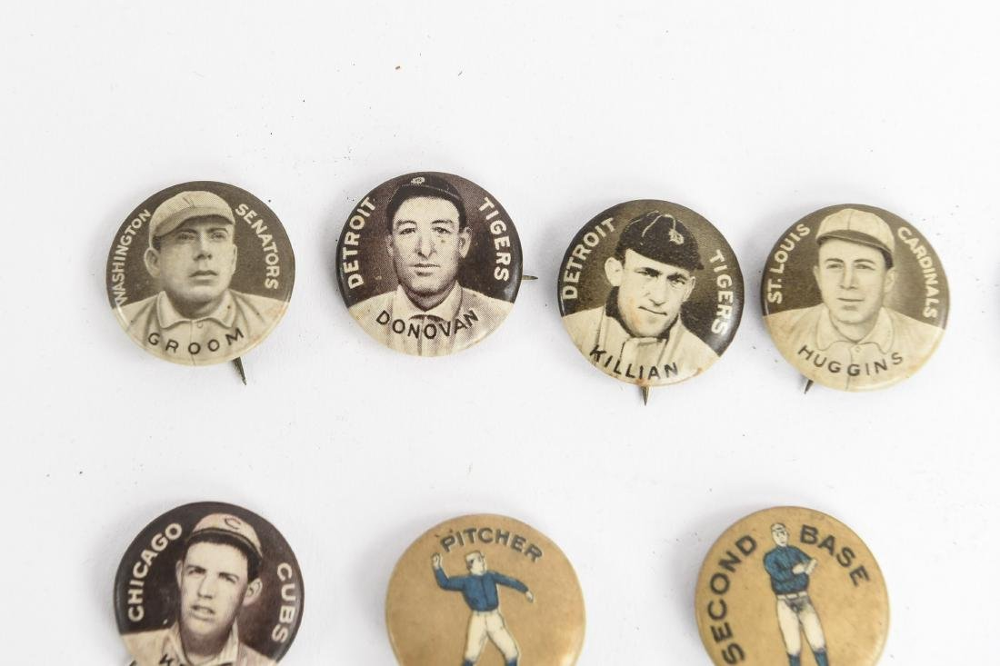 VINTAGE COLLECTABLE BASEBALL PIN BACK BUTTONS - 2