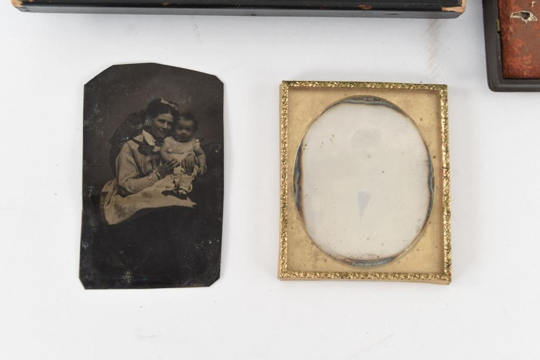 GROUPING OF TIN TYPES AND CASES - 2