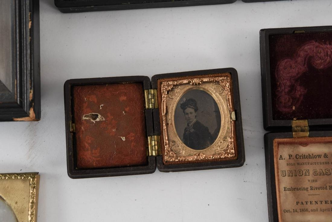 GROUPING OF TIN TYPES AND CASES - 3