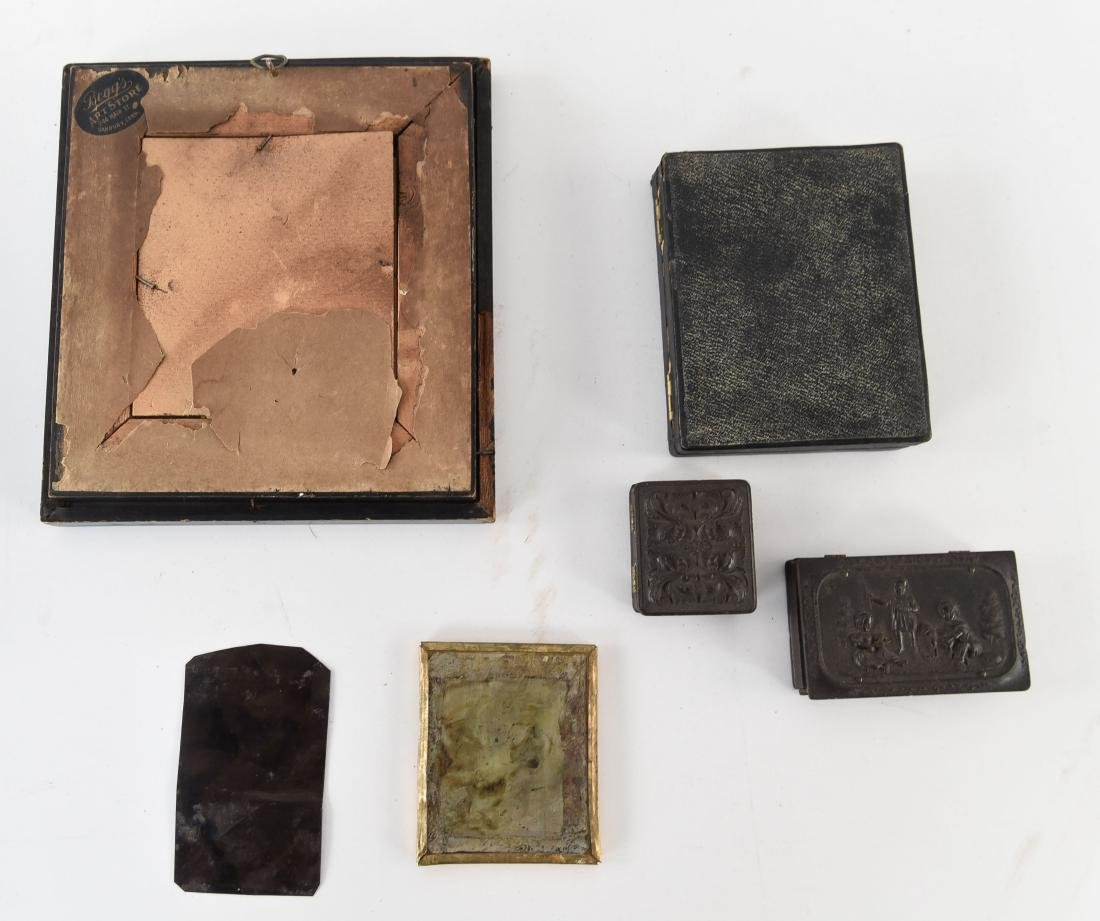 GROUPING OF TIN TYPES AND CASES - 8