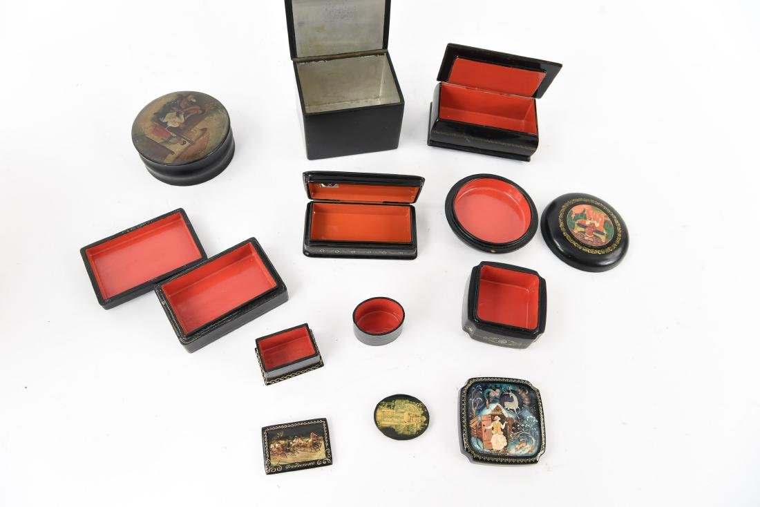 GROUPING OF RUSSIAN LACQUER BOXES - 9
