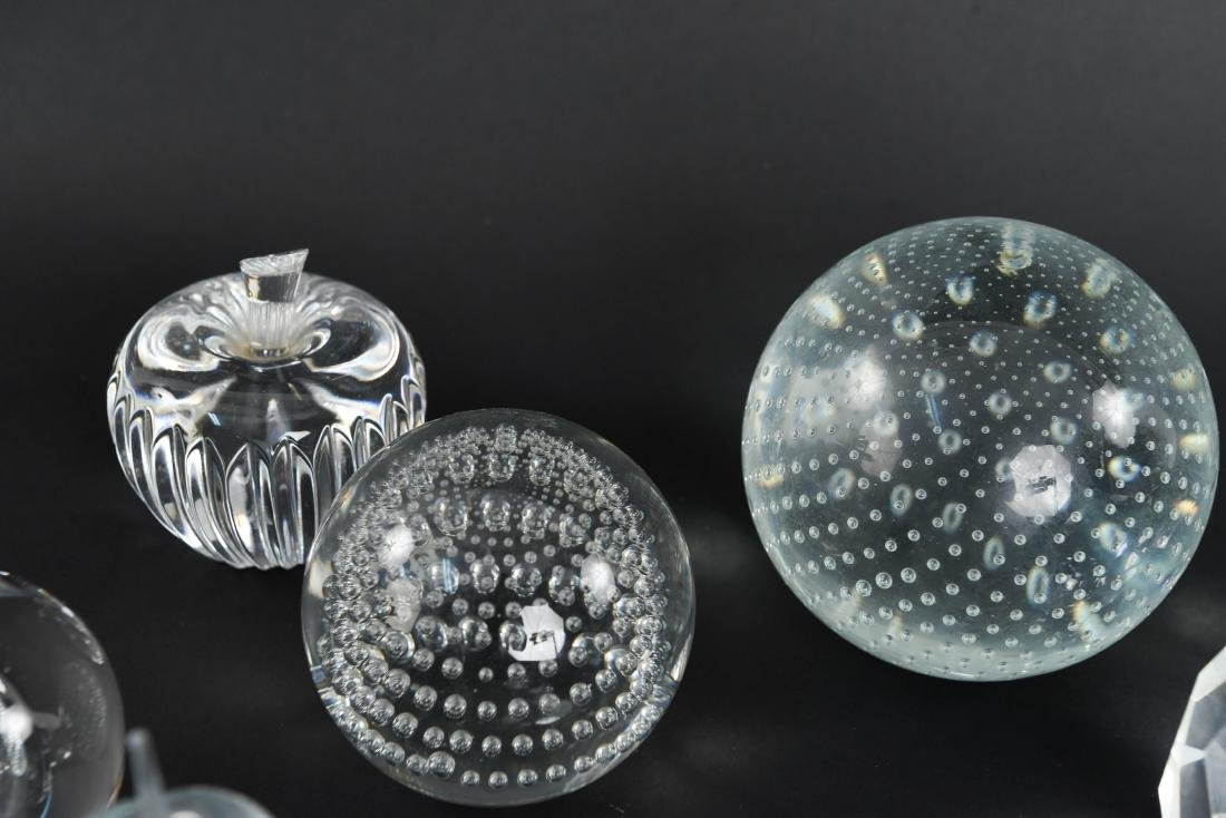 PAPERWEIGHT GROUPING (11) - 4