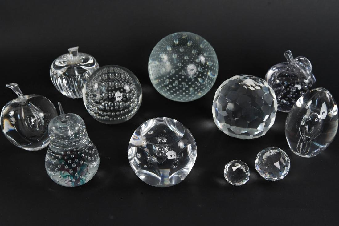 PAPERWEIGHT GROUPING (11) - 9
