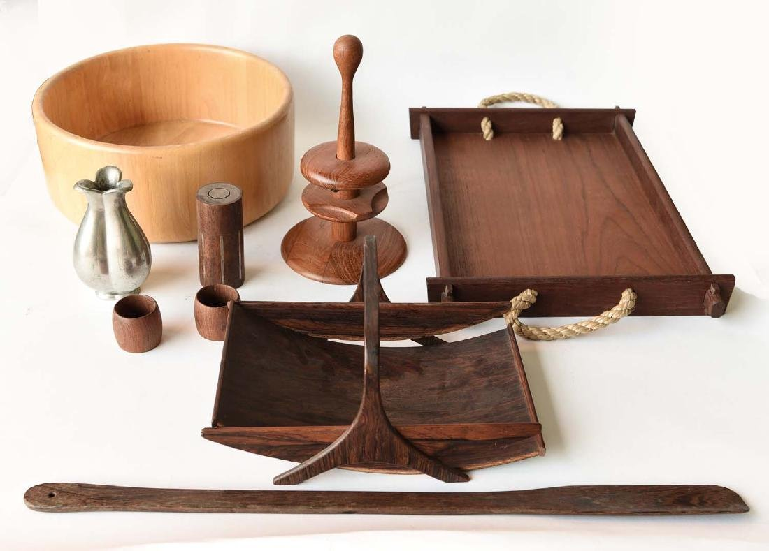 GROUPING OF MID CENTURY DANISH ACCESSORIES