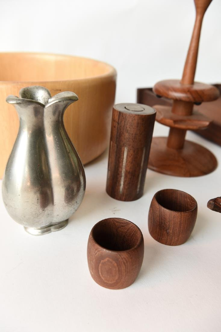 GROUPING OF MID CENTURY DANISH ACCESSORIES - 8