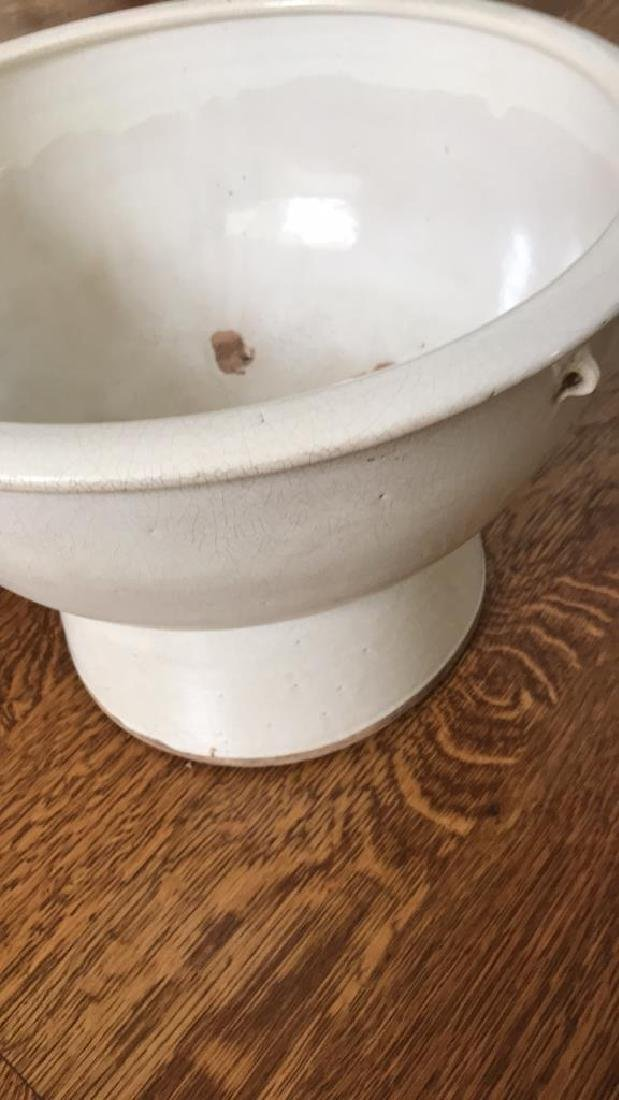 CERAMIC FOOTED BOWL OR PLANTER - 3