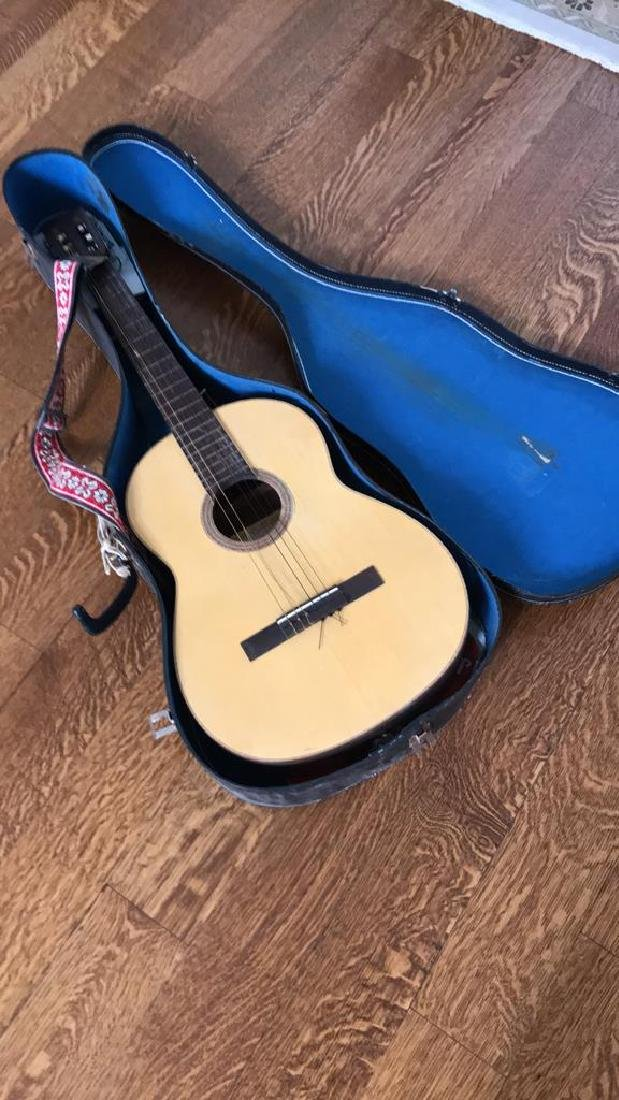 GIANNINI ACOUSTIC GUITAR