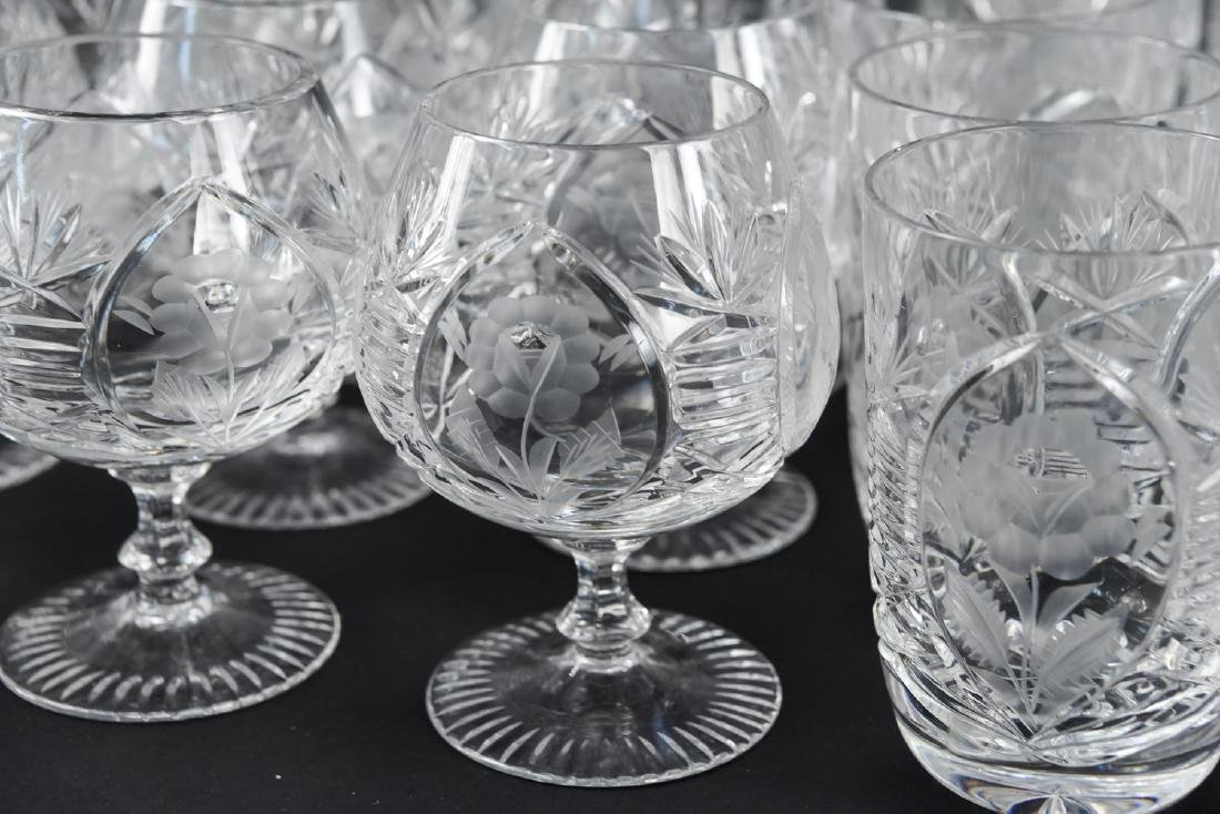 GROUPING OF CUT CRYSTAL GLASSES - 2
