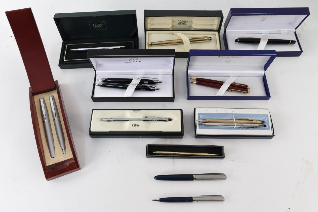 GROUPING OF PENS & MECHANICAL PENCILS