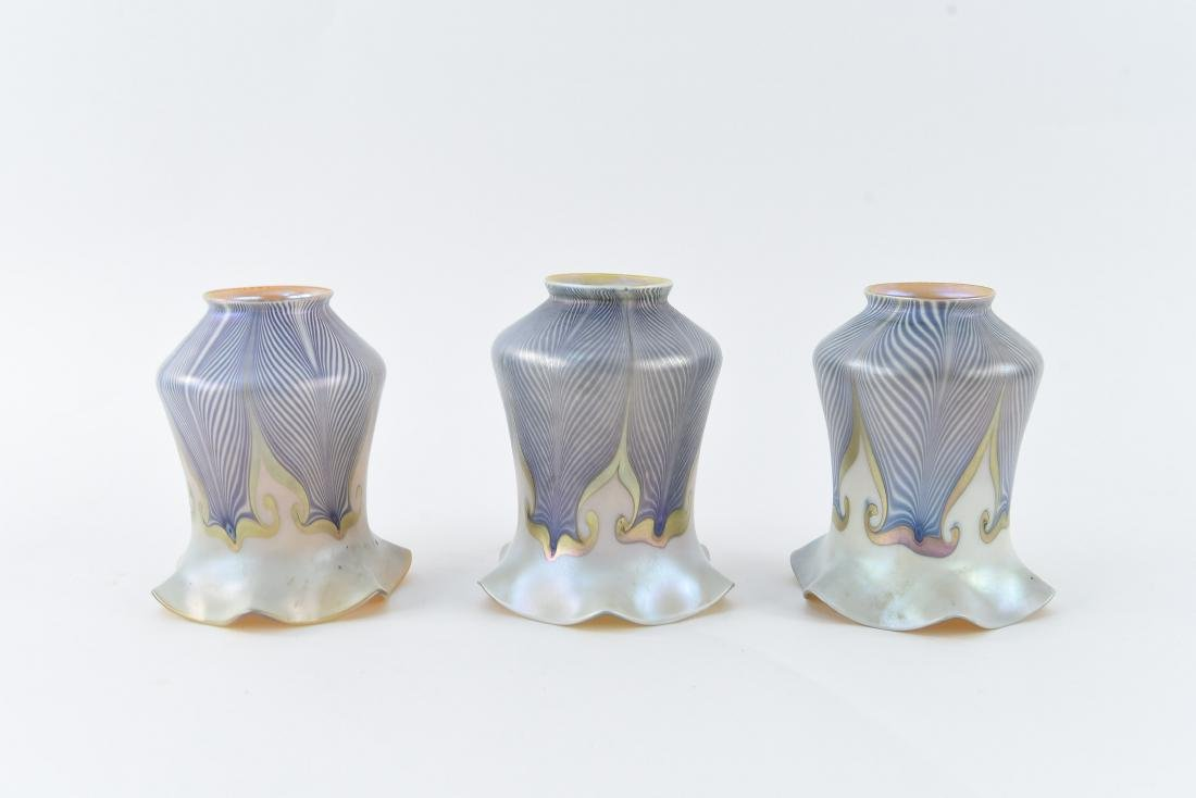 (3) QUEZAL PULLED FEATHER ART GLASS SHADES
