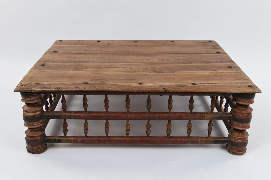 INDIAN MANGO WOOD COFFEE TABLE