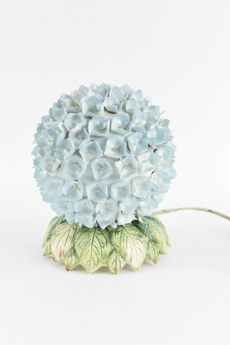 CERAMIC FLOWER TABLE LAMP