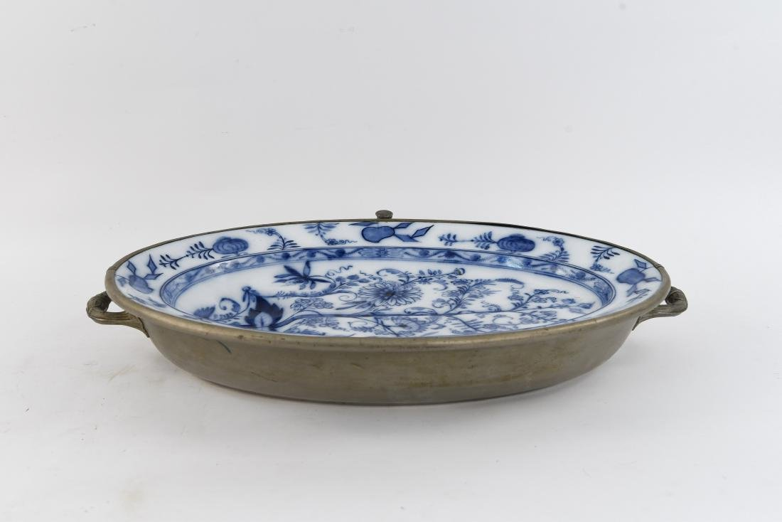 ANTIQUE BLUE & WHITE CERAMIC WARMER SERVING TRAY