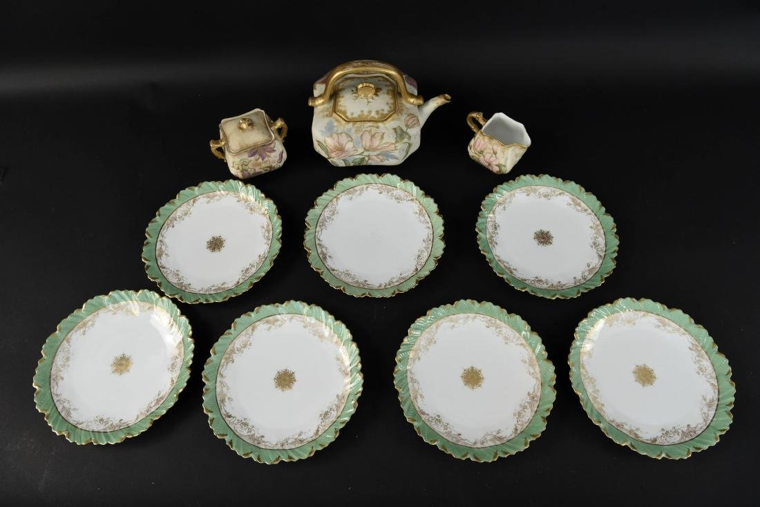 GROUPING OF PORCELAIN INCL. LIMOGES PLATES