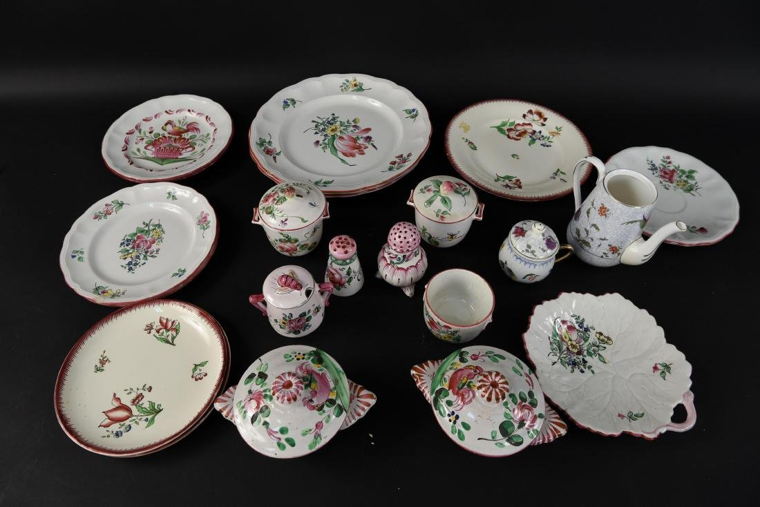GROUPING OF FAIENCE PORCELAIN