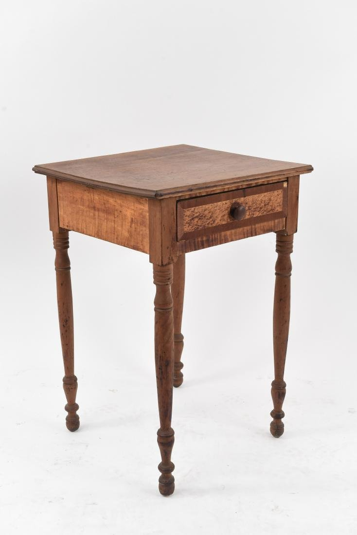 MIXED WOOD ONE-DRAWER SIDE TABLE
