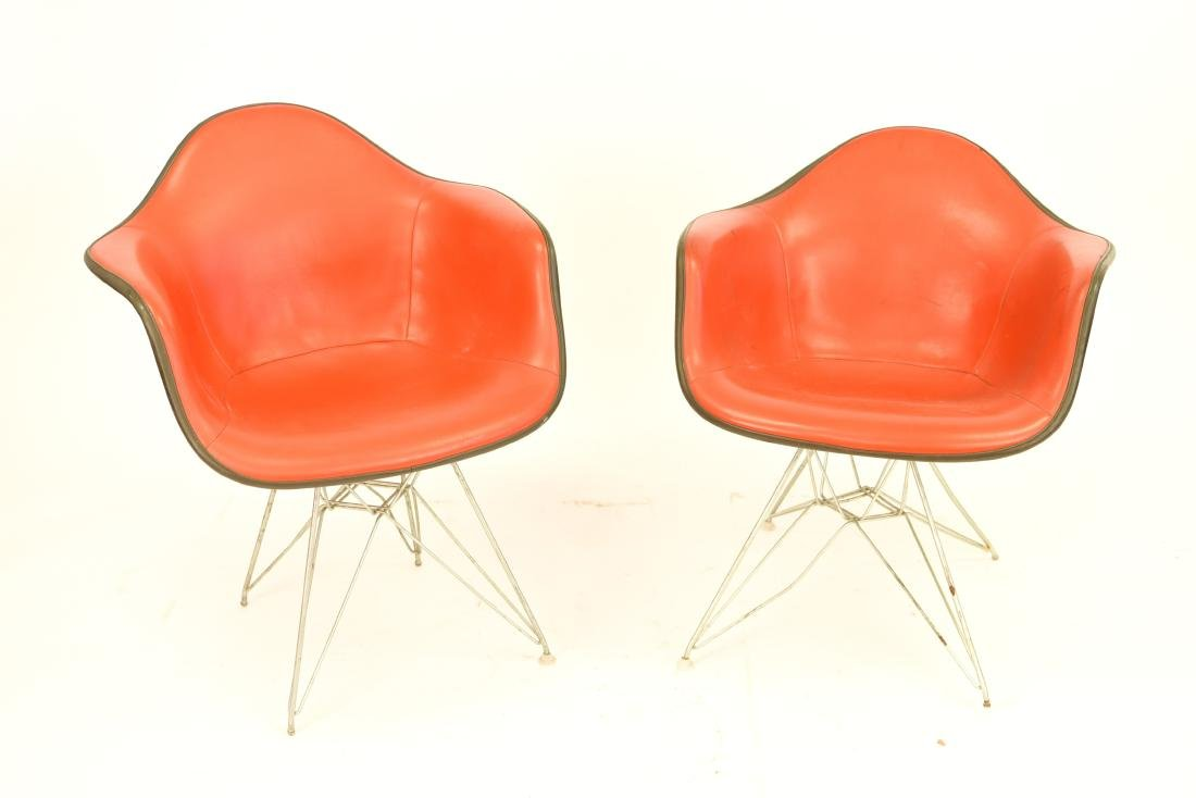 PAIR OF EAMES FIBERGLASS SHELL ARM CHAIRS