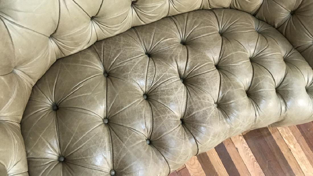 LEATHER BUTTON TUFTED CURVED BACK SETTEE - 5