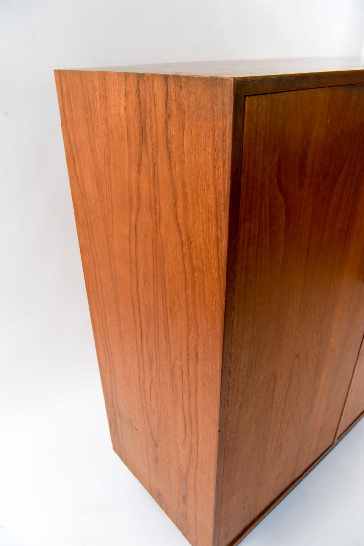MID-CENTURY CHEST OF DRAWERS W/ CABINET DOORS - 9