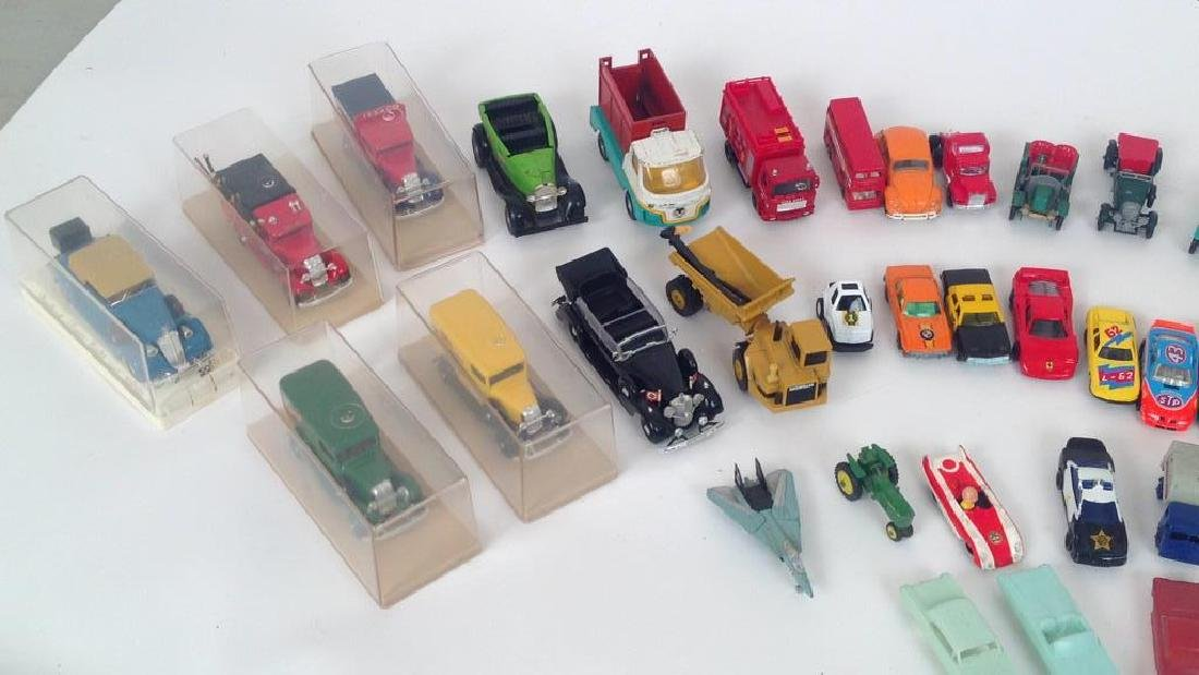 VINTAGE TOY GROUPING - 3