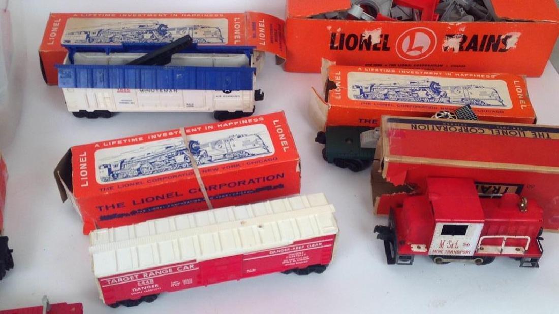 LIONEL TRAIN SET - 3