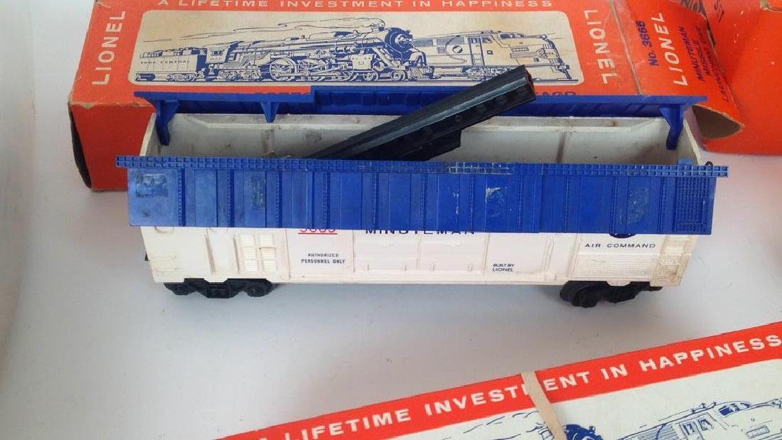 LIONEL TRAIN SET - 5