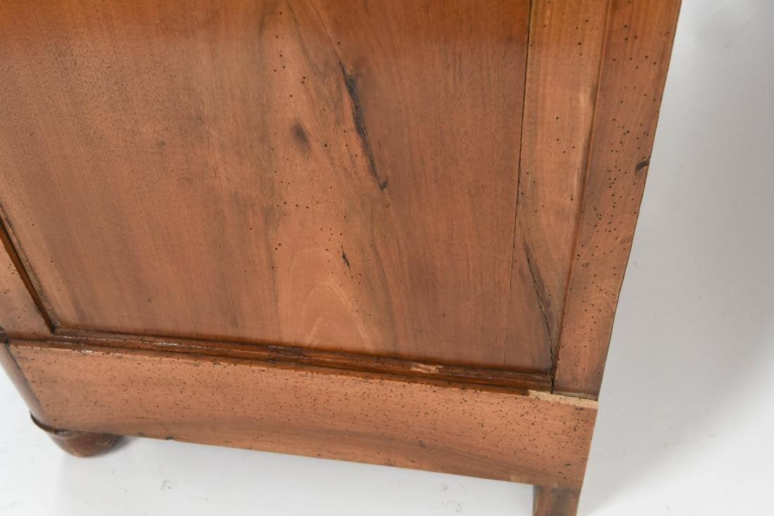 ANTIQUE CHEST OF DRAWERS - 9