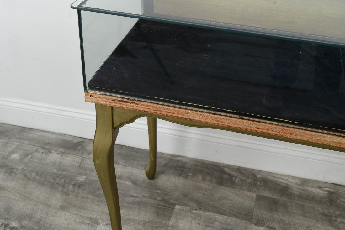 ILLUMINATED GLASS DISPLAY CASE TABLE - 2
