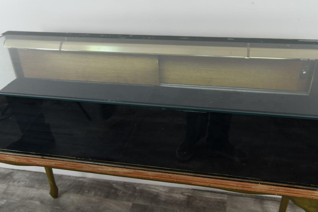 ILLUMINATED GLASS DISPLAY CASE TABLE - 3