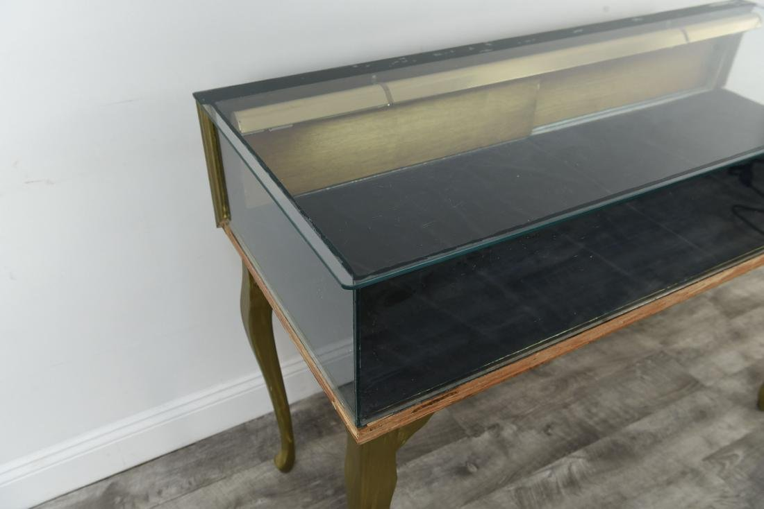 ILLUMINATED GLASS DISPLAY CASE TABLE - 8