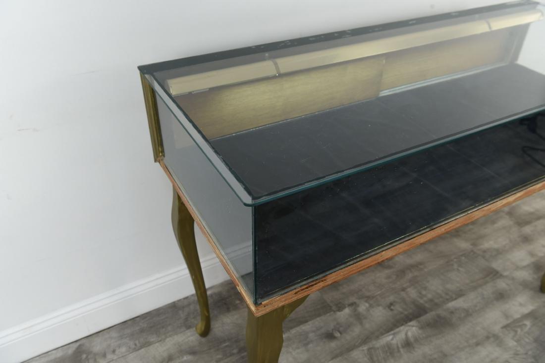 ILLUMINATED GLASS DISPLAY CASE TABLE - 8