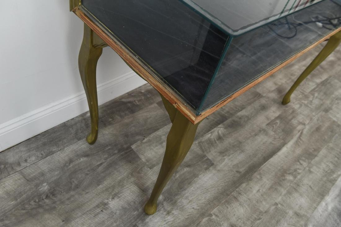 ILLUMINATED GLASS DISPLAY CASE TABLE - 9