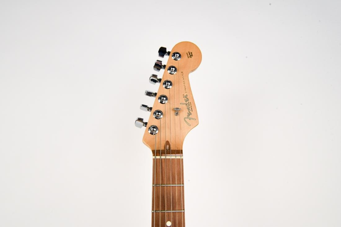 FENDER STRATOCASTER ELECTRIC GUITAR MADE IN USA - 2