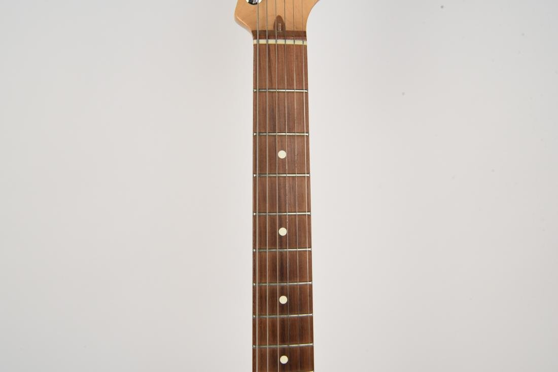 FENDER STRATOCASTER ELECTRIC GUITAR MADE IN USA - 3