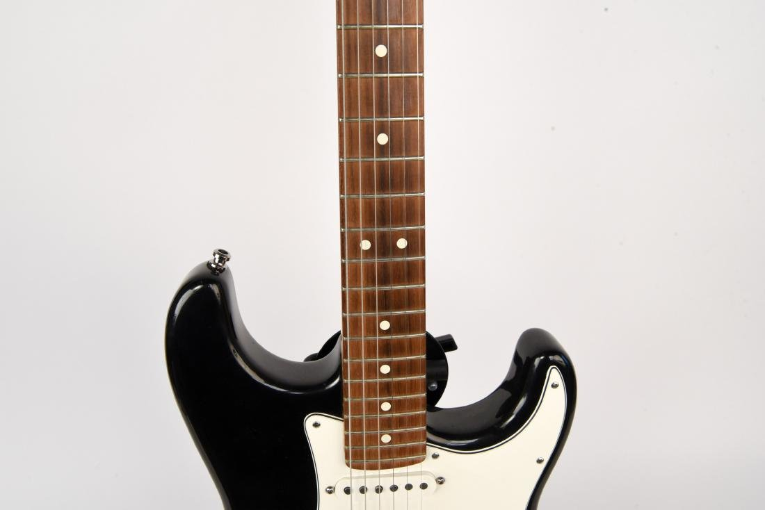 FENDER STRATOCASTER ELECTRIC GUITAR MADE IN USA - 4