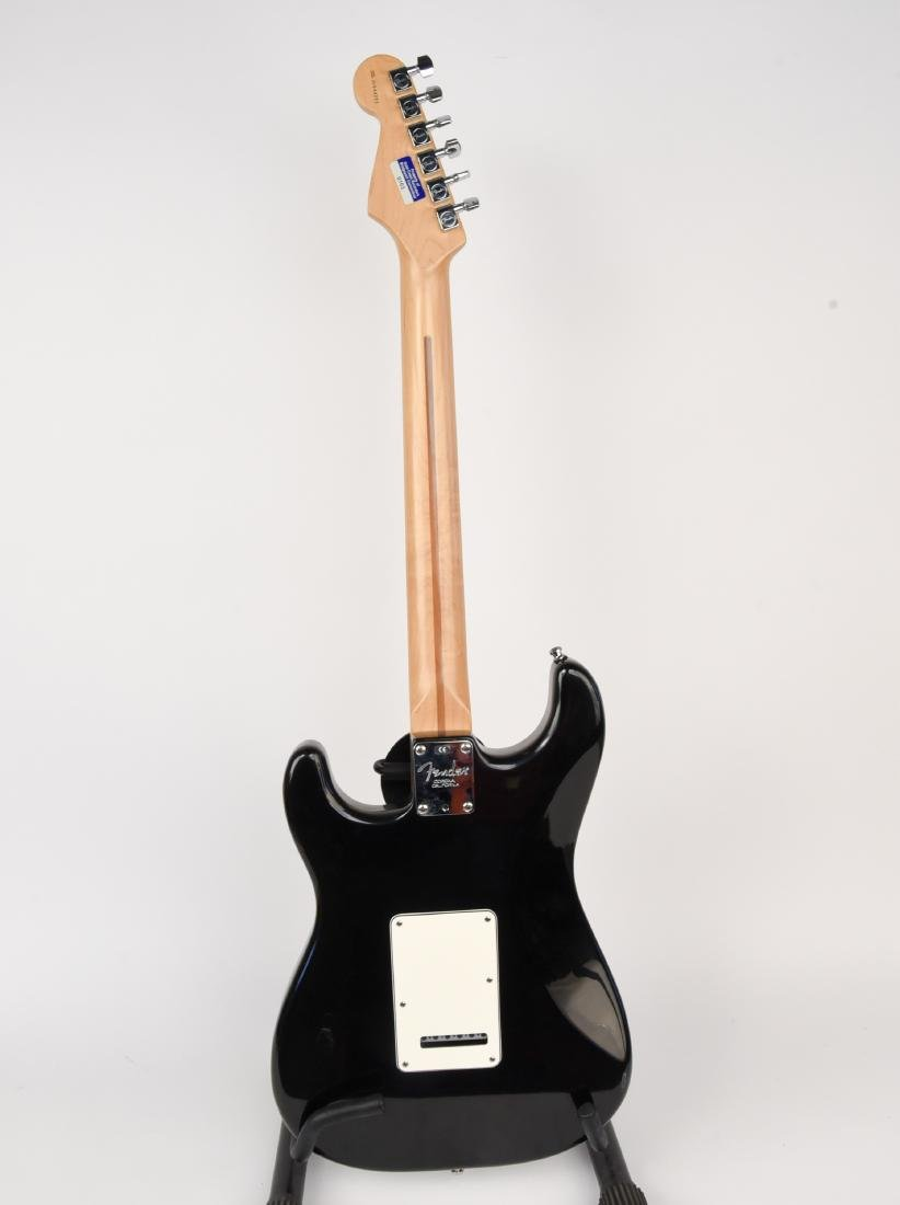 FENDER STRATOCASTER ELECTRIC GUITAR MADE IN USA - 6