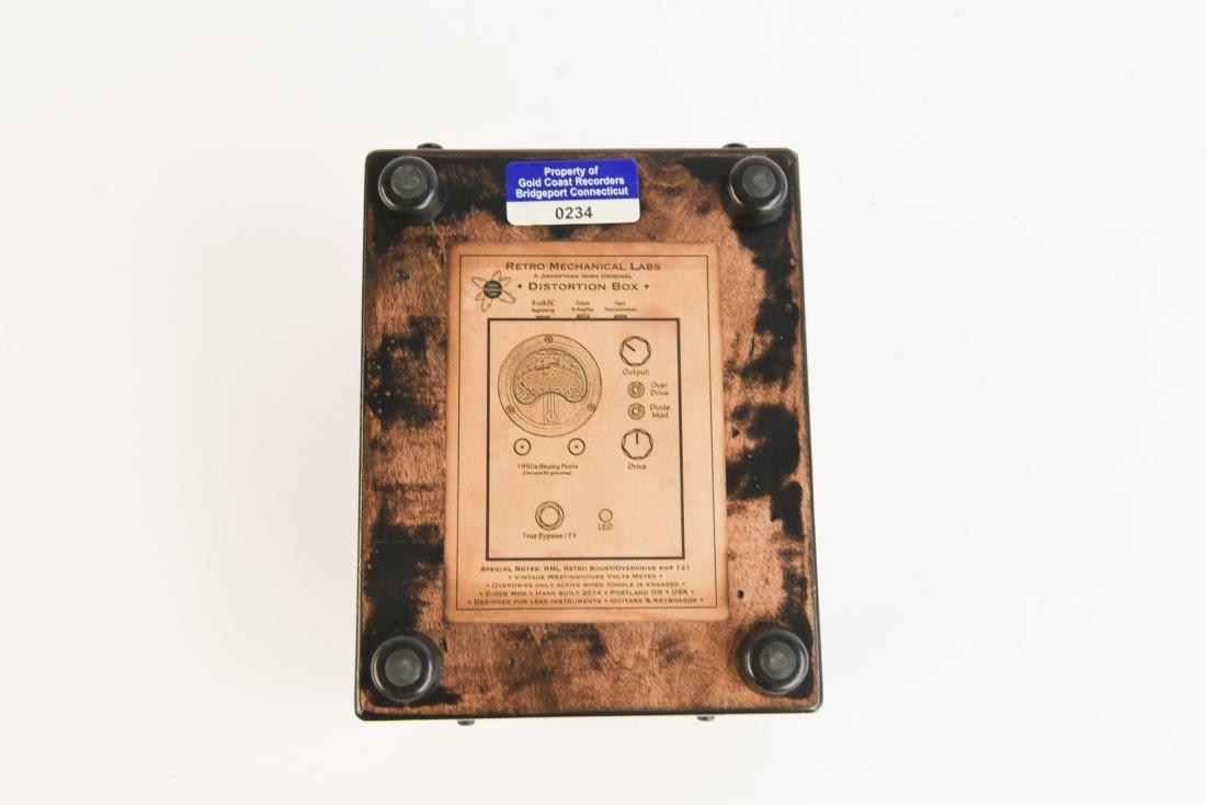 RML DISTORTION BOX GUITAR PEDAL - 9