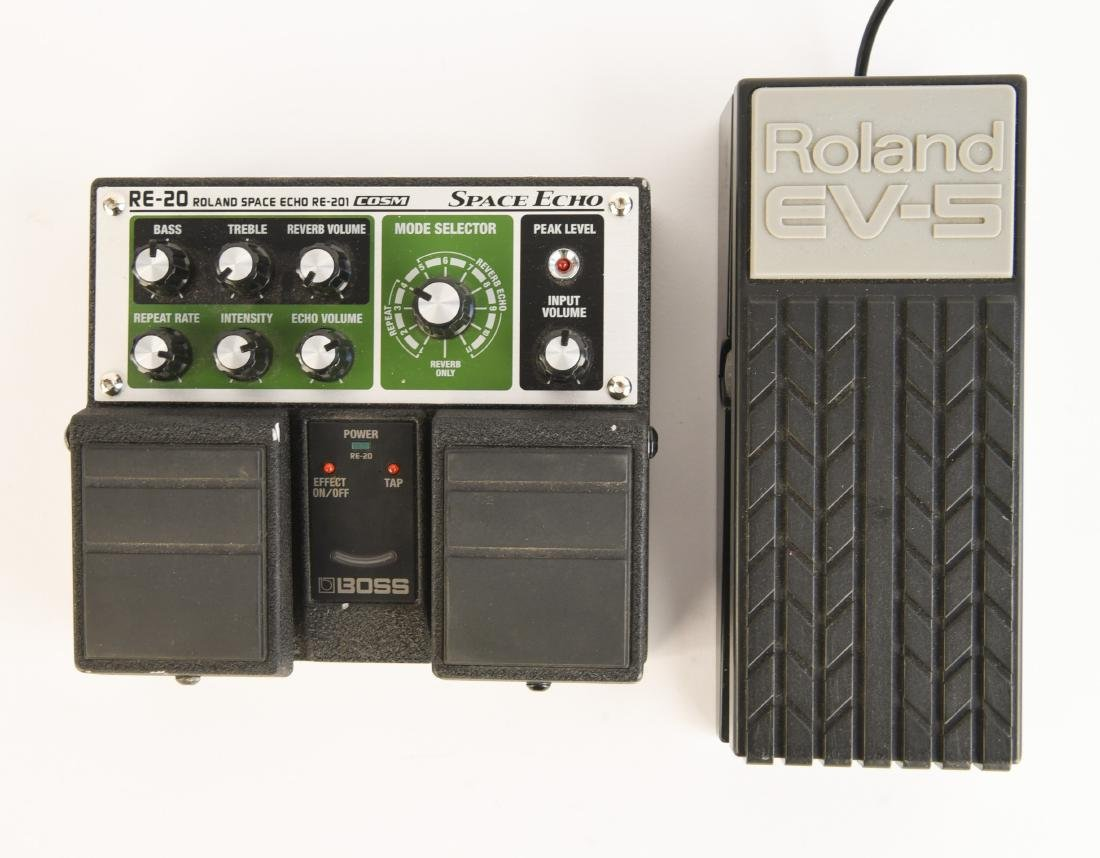 BOSS RE-20 SPACE ECHO WITH EXP PEDAL AND PS